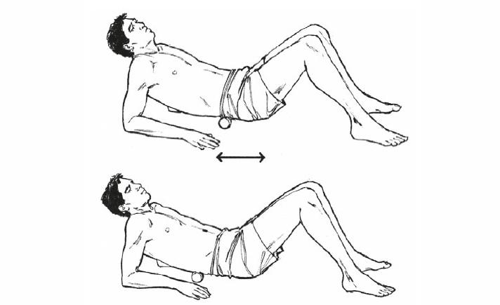Упражнения с валиком для тех, у кого болит спина